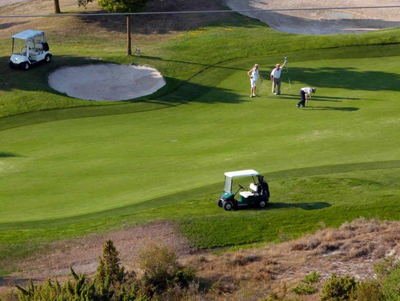 golf gorraiz golf fee card headquaters. Black Bedroom Furniture Sets. Home Design Ideas